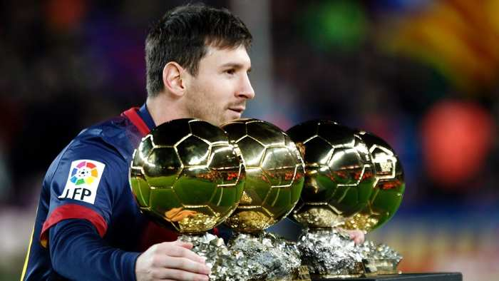 messi_with_gold_balls